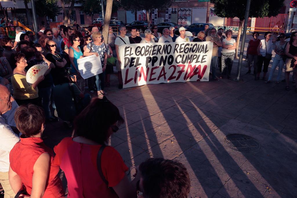 Reivindicaciones en la plaza del Charco en Santo Ángel