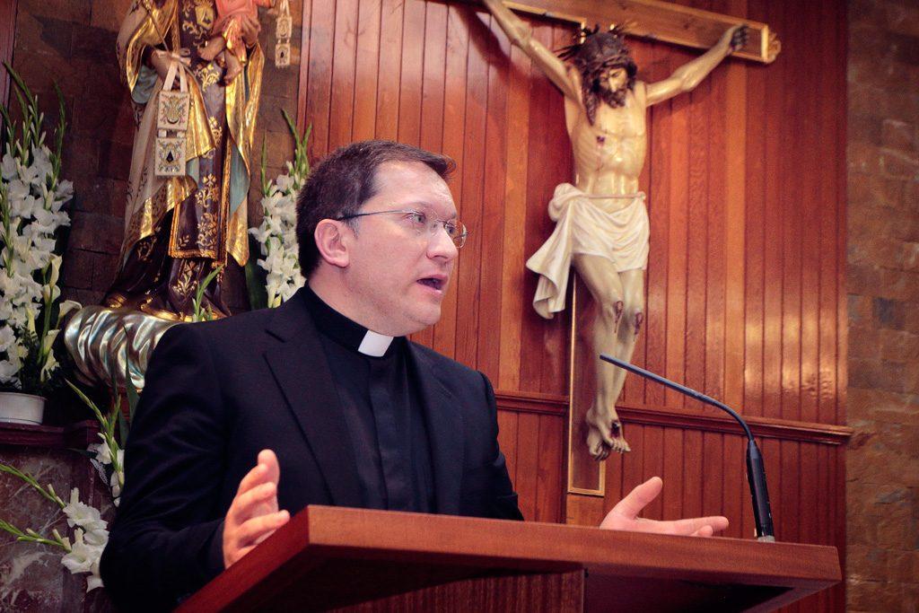 D. Gines Amor Molina párroco de Santo Ángel