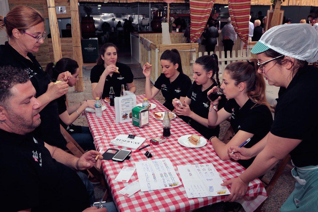 El equipo de camareras Peña el Almirez