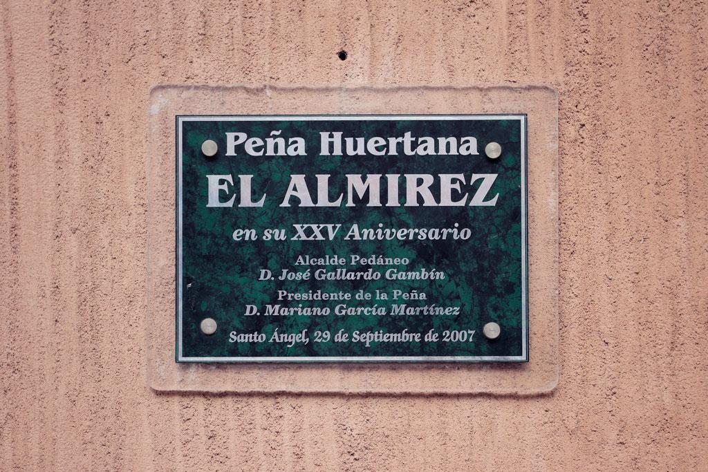 """placa fachada peña huertano """"el Almirez"""""""