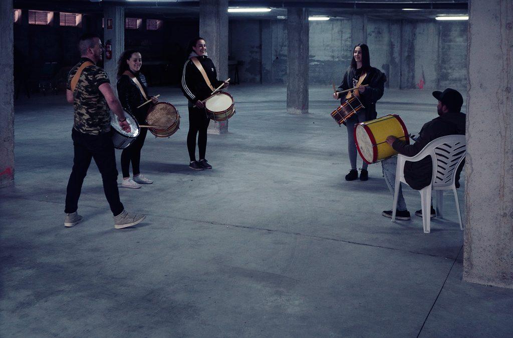 La escuela de tambor de Santo Ángel