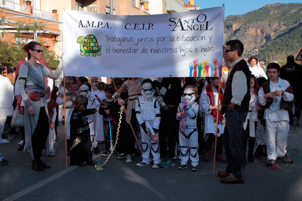 El CEIP Santo Ángel participando en el desfile