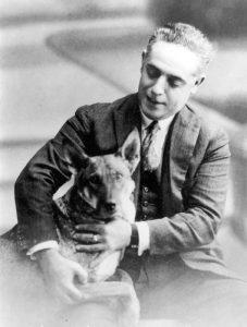 Ángel Romero Elorriaga con su perro
