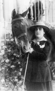 María Séiquer Gayá con su caballo