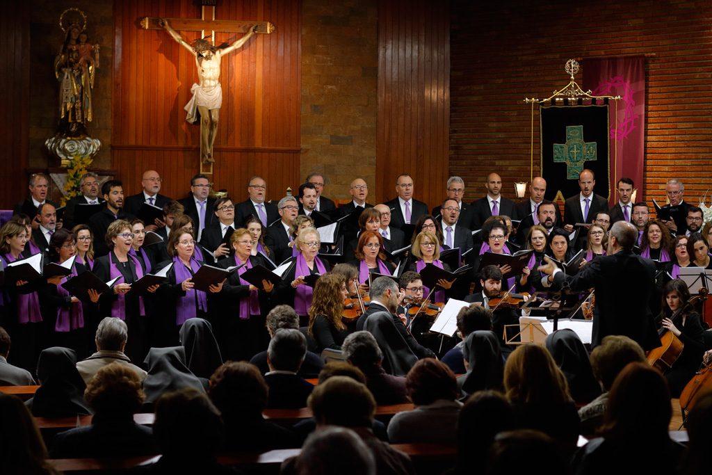 Coral Discantus y la Orquesta Sinfónica