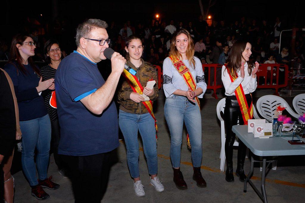 El Presidente con la tres reinas de las fiestas