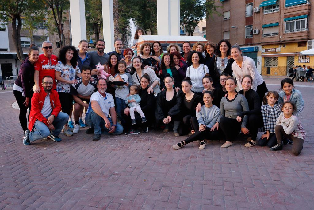Eugenia Gil Ballester con familiares y amigos