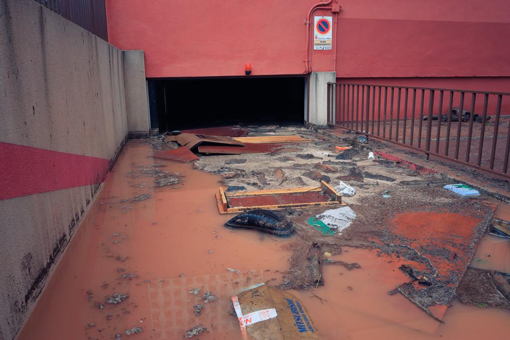 Garage Santo Ángel inundado por la tormenta Dana
