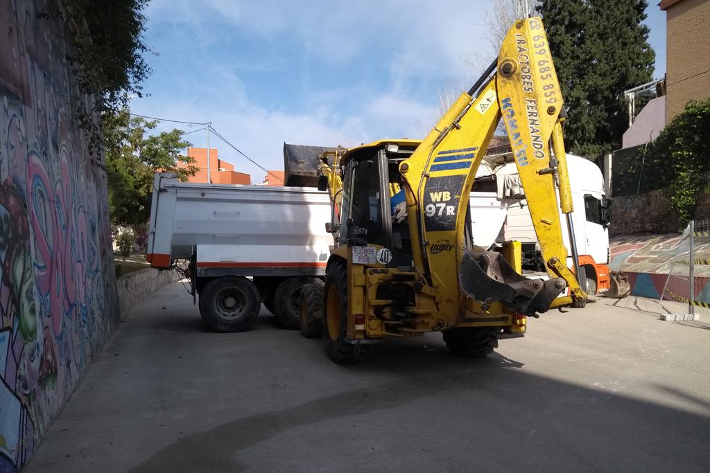 Recogida escombros en la rambla del Sordo en enero 2019