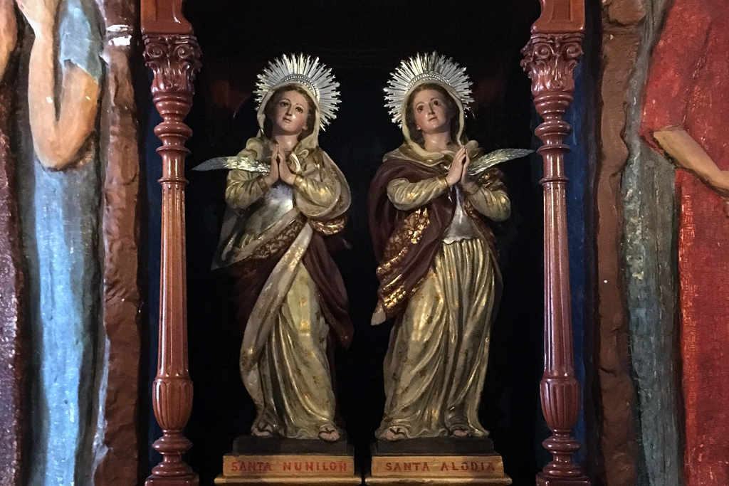 Imagen de las santas Alodía y Nunilón en el Eremitorio de La Luz