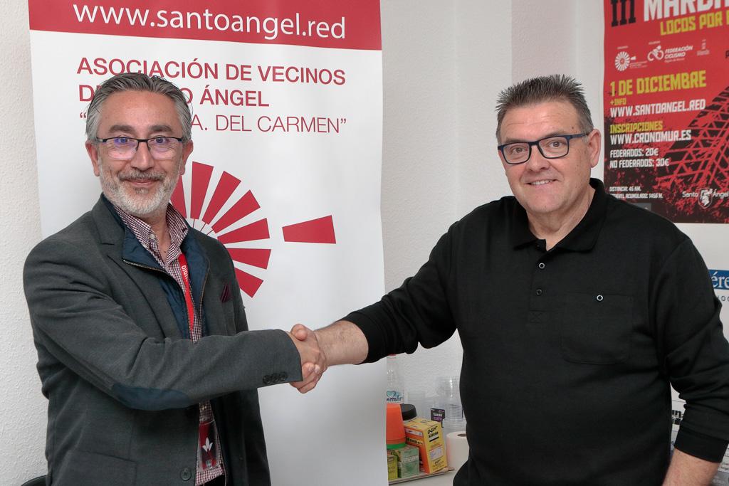 El director comercial de CableMurcia y el Presidente de la Asociación Juan Jesús González Gurillo
