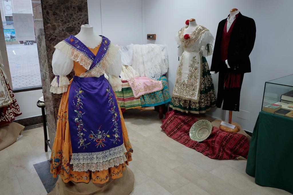 Exposición trajes huertanas Los Alcazares