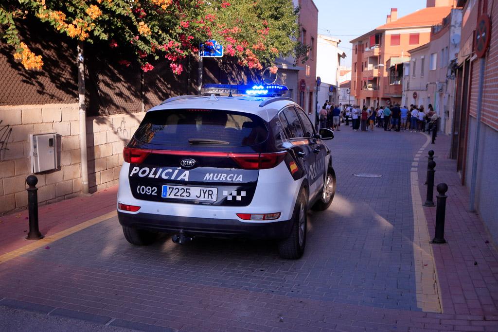 Coche Policía Local en la procesión Santo Ángel