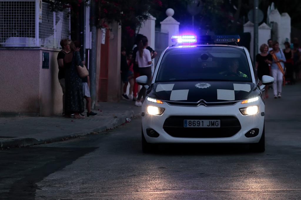 Coche de Policía en un evento en Santo Ángel