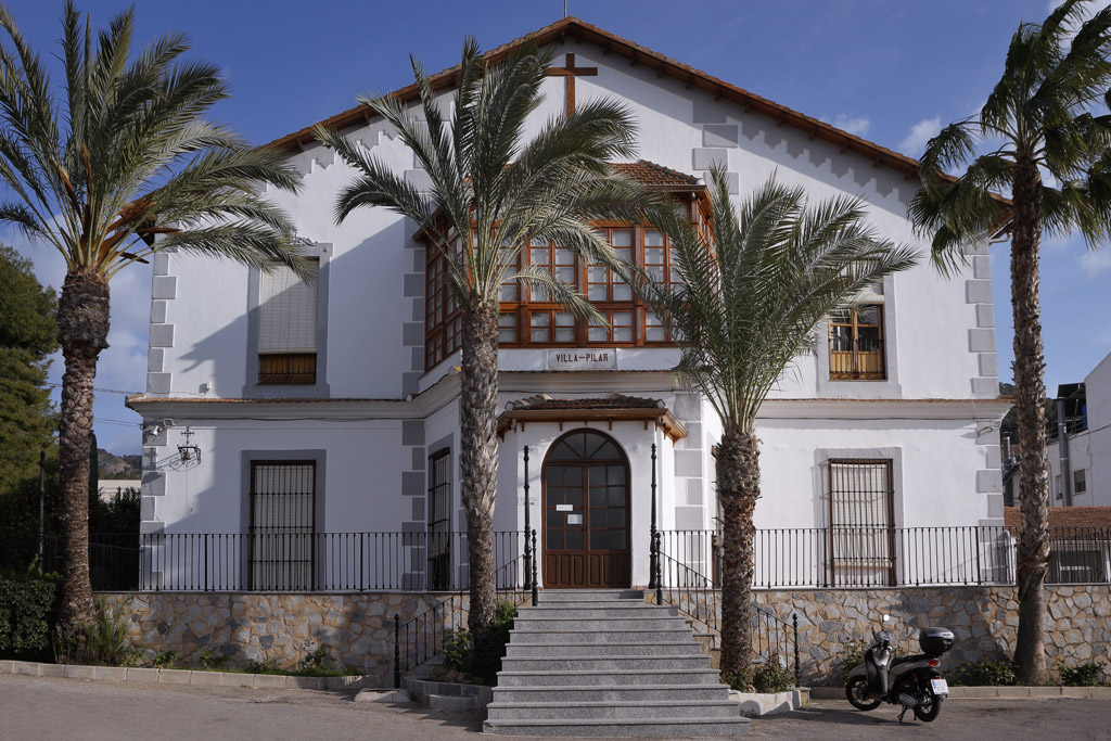 Colegio Cristo Crucificado - Villa Pilar