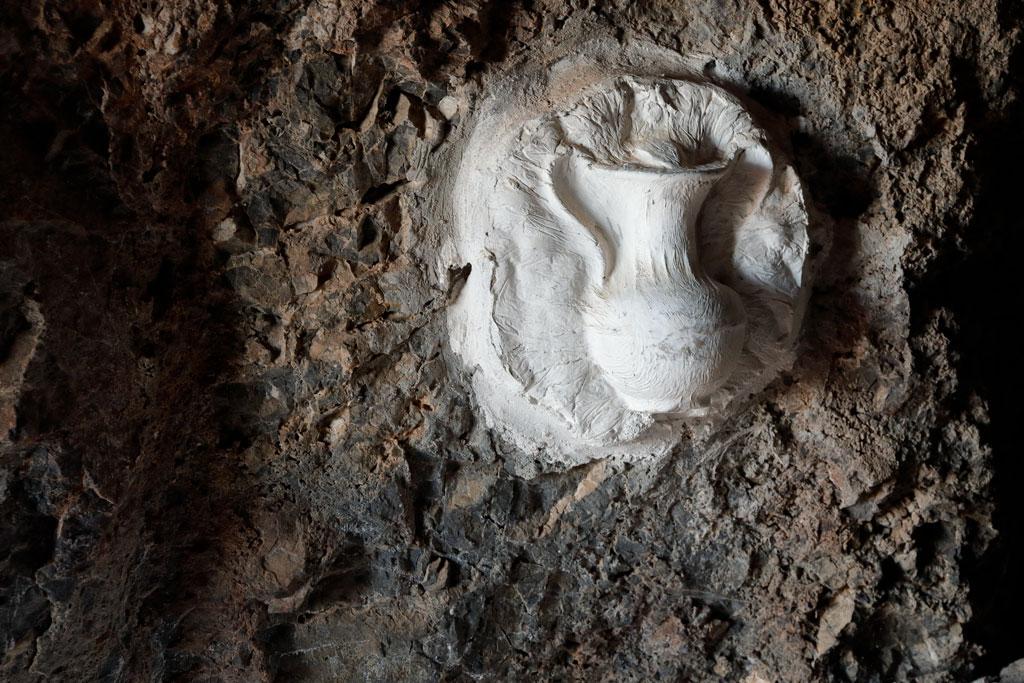 Detalle dentro la cueva