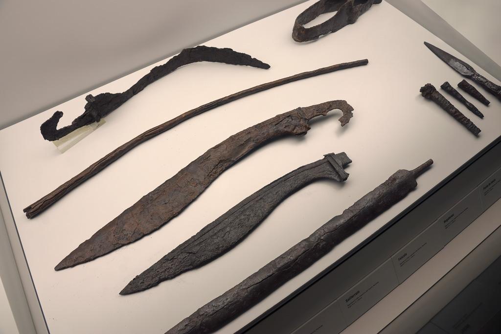 Falcatas y Soliferrum en el Museo Arqueológico de Murcia