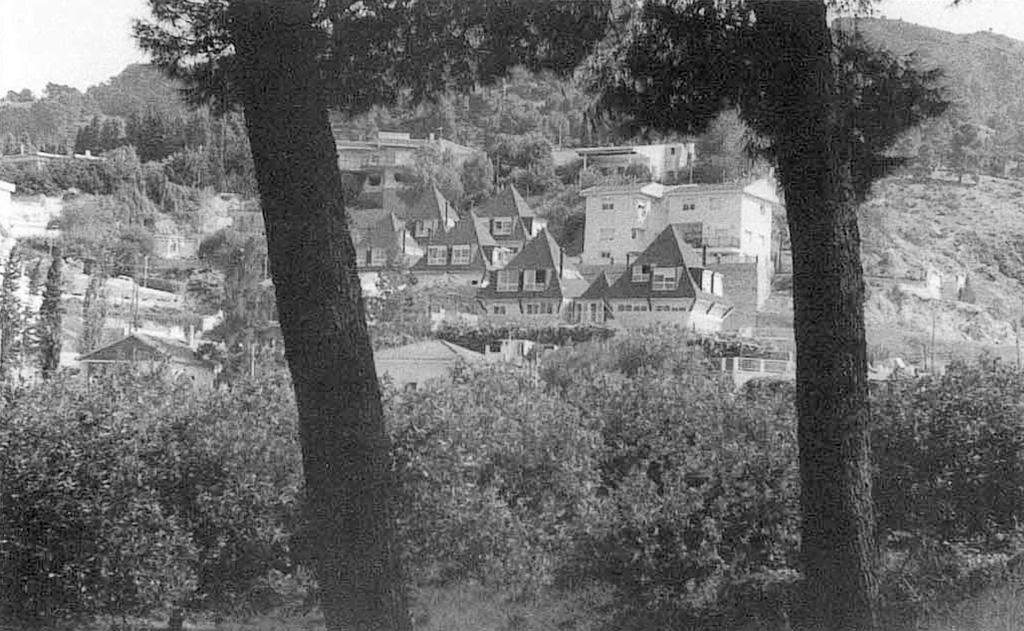 Vista de Poblado de Santa Catalina (Edifícado) desde la necrópolis del Cabecico